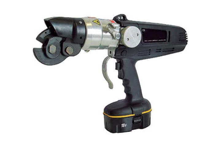 Electrical bolt seal cutter with battery by Hoefon Security Seals